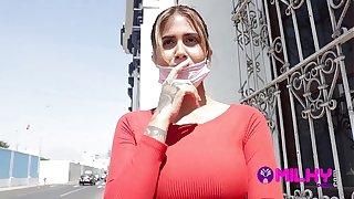 Yorgelis hermosa Tetona venezolana deja plantado al novio por una falsa sesión de fotos thicket el tío Milky