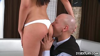 Scant stud eats pussy well of gorgeous tanned beauty who is all naked