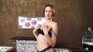 Horny amateur Jessika drops her panties and spreads her legs to play