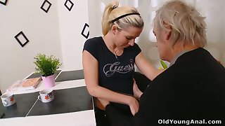 Geezer bangs pinkish pussy of lovely comme ci Nelya and cums not susceptible the brush face and tits